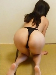 Thai GF with fine round ass strips naked